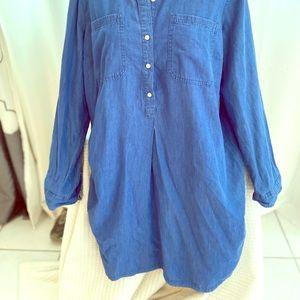 Old Navy Long Denim buttoned shirt